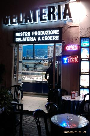 Gelateria Cecere Antonietta: Even better at Night