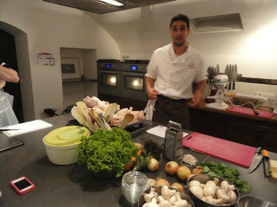 The poultry class with chef eric picture of la cuisine - La cuisine cooking classes ...
