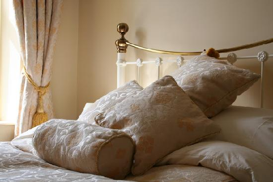 """King William the Fourth Guest House: """"Golden Pippin"""" - Superior Double with Ensuite Spa Bath"""