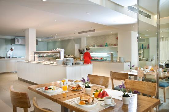 Pernera Beach Hotel: Breakfast Buffer