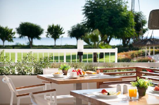 Pernera Beach Hotel: Breakfast