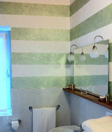 Bagno originale foto di locanda pozzetto laveno mombello tripadvisor - Bagno vignoni locanda ...