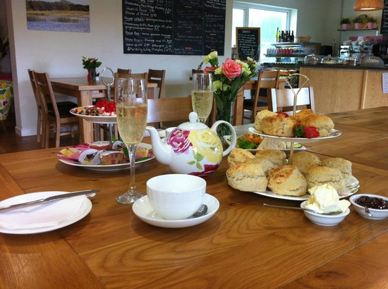 Fenny Castle Tearooms, B&B and Bike Hire: Our * Special* Afternoon tea