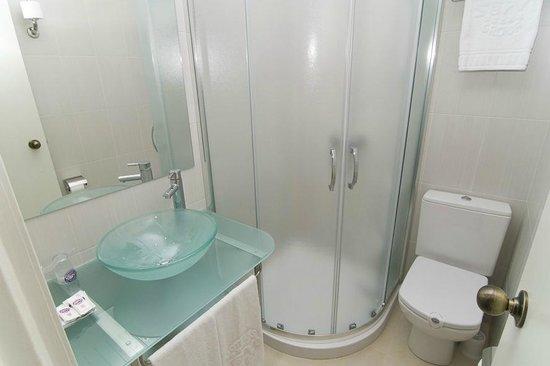 Servigroup Pueblo Benidorm : Bathroom