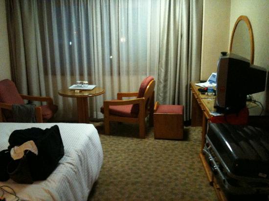 โรงแรมปูซาน: TVはブラウン管