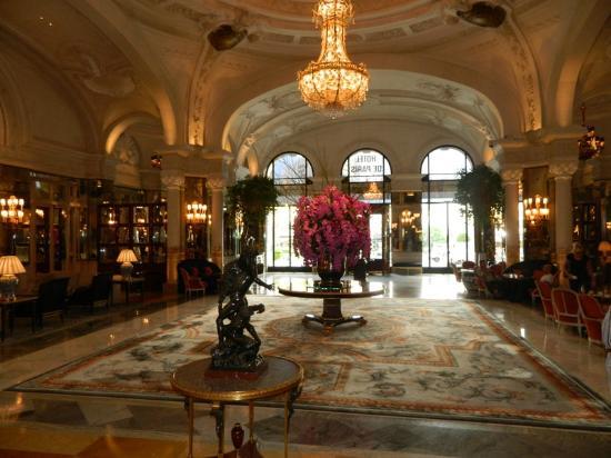 Hotel de Paris Monte-Carlo: hall
