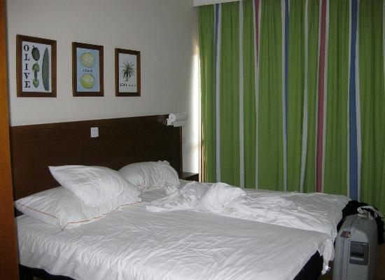 Sunwing Resort Sandy Bay: Bedroom in 2 room apartment with seaview