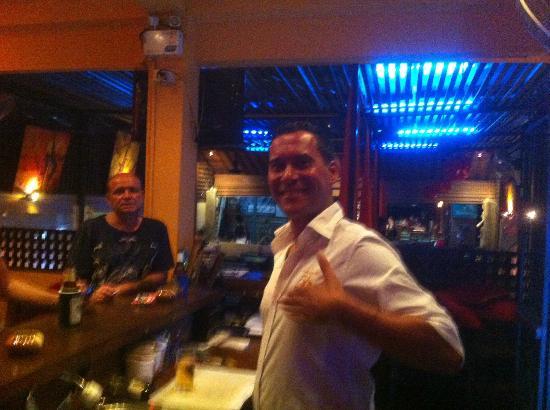 56 Restaurant: Und immer wieder am lächeln egal wieviel Stress er hat