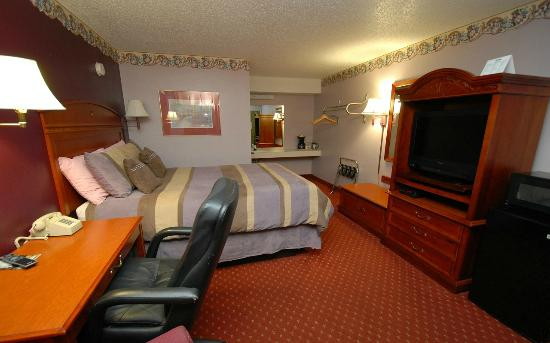Green Country Inn: One Queen Bed Room