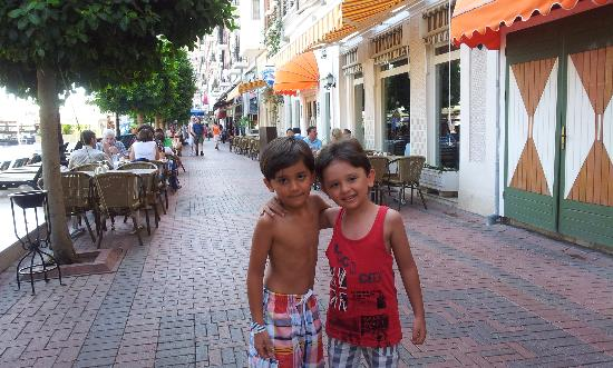 Orange County Resort Hotel Kemer: OrangeCounty main street !