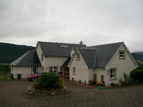 Easter Croftinloan Farmhouse: Extérieur