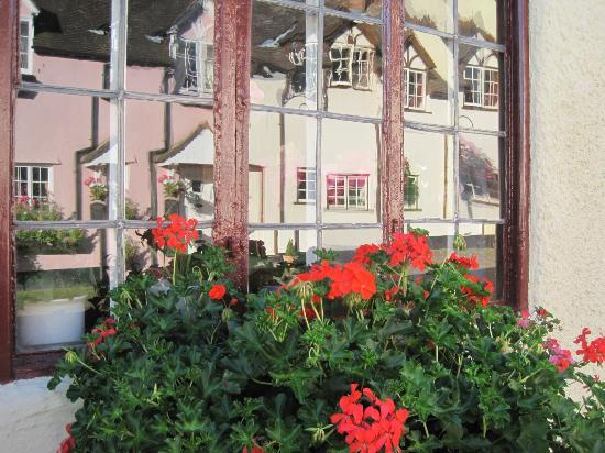 Millstream Cottage : Reflected view of houses in Dunster