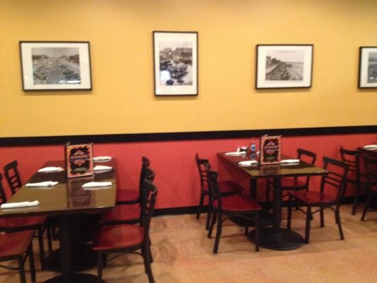 Charcoal Grill: Dining room