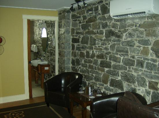 Hotel Acadia: room 100 in basement
