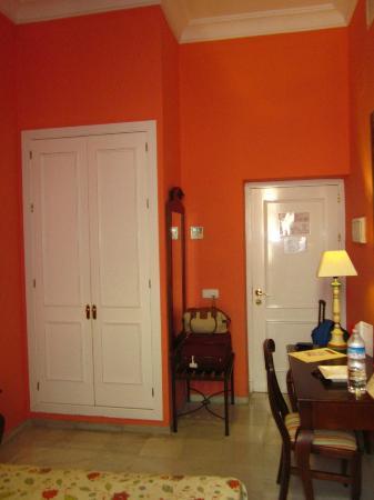 Hotel Las Cortes De Cadiz : Vista de la entrada