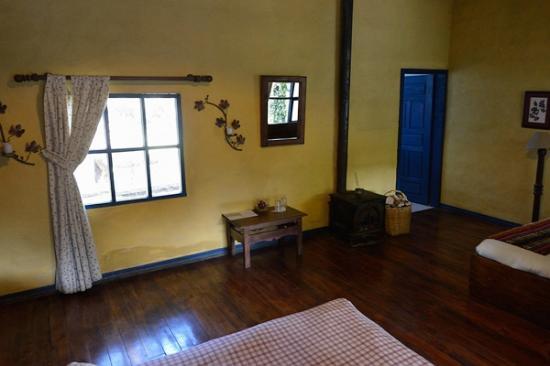 Hacienda Pinsaqui: woodstove