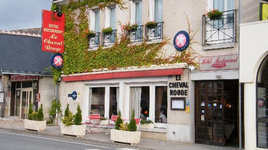 Hotel Le Cheval Rouge: l'entrata