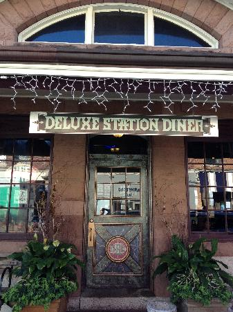 Deluxe Station Diner