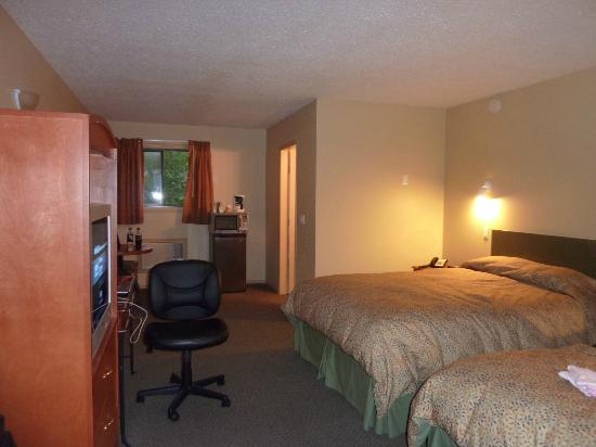 Retasket Lodge & RV Park: Upstairs room