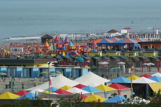 Hotel le Tegnue : la spiaggia variopinta vista dalla camera