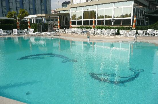 Hotel le Tegnue : la piscina