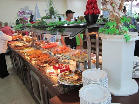 Kemer Dream Hotel: Кушать подано