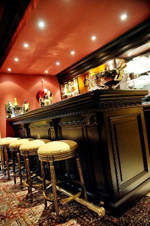Le Mystique - Relais & Chateaux: Bar 'Le Magnum'