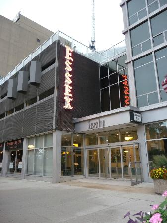 Chicago's Essex Inn: Facade de l'hôtel