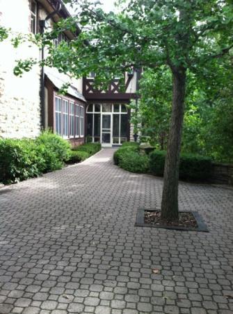 Plummer House: outside patio