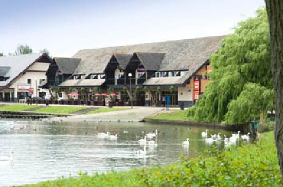 Premier Inn Milton Keynes East (Willen Lake) Hotel: .