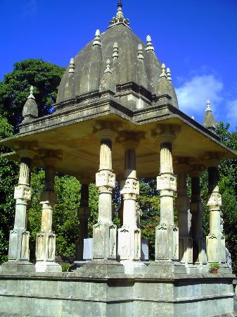 Arnos Vale Cemetery: This is The Burial site of an Important Sikh.