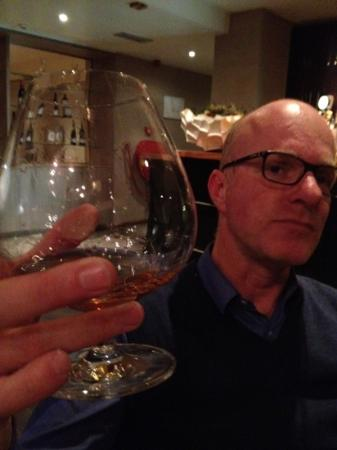 Terschelling, เนเธอร์แลนด์: nice glasses . pic taken at our table with bar in background