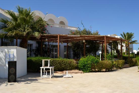 Palais des Iles Djerba Resort: restaurant de la piscine