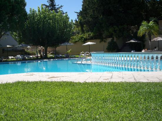 Achousa Hotel: Pool area 