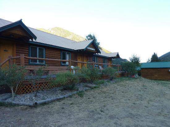 Cinnamon Lodge: the rooms...
