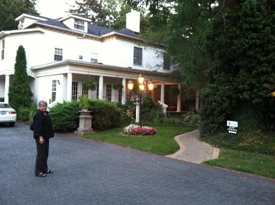 Brockamour Manor Bed and Breakfast : Brockamour Manor, Niagara-on-the-Lake