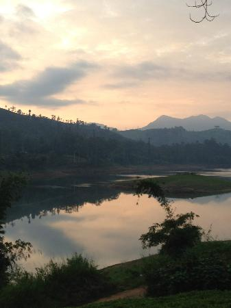 Ceylon Tea Trails: Castlereagh reservoir at dawn