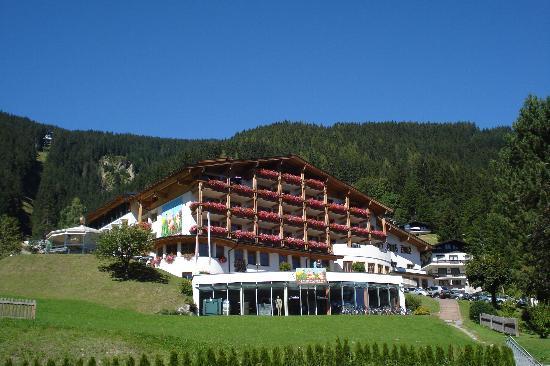 AlpineResort: vue de l'hôtel