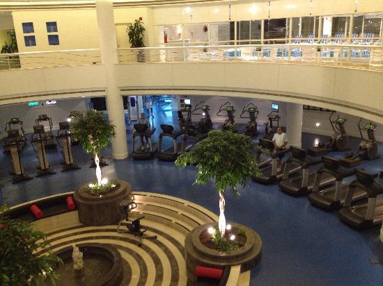 Moevenpick Hotel Beirut: fitness + piscina coperta+ squash + tutto