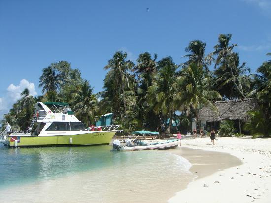 Robert's Grove Beach Resort: Private Island