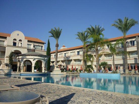 Napa Plaza Hotel: Бассейн