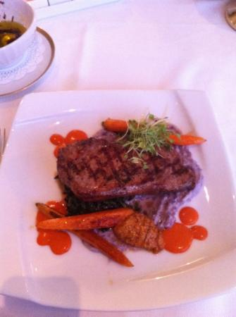 Westglow Resort & Spa: Pork chop, an incredible dish.
