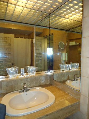 Maria Angola Hotel: banheiro