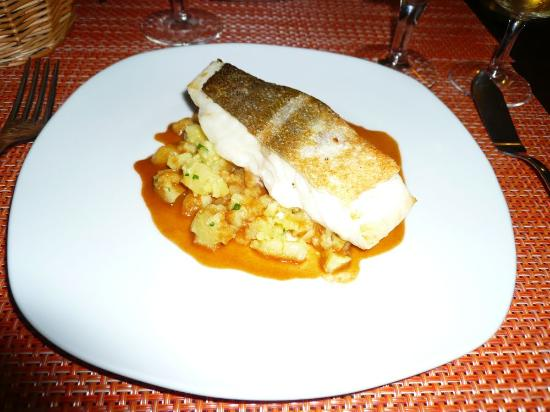La Grande Ourse: roast cod with potatoes and a langoustine dressing