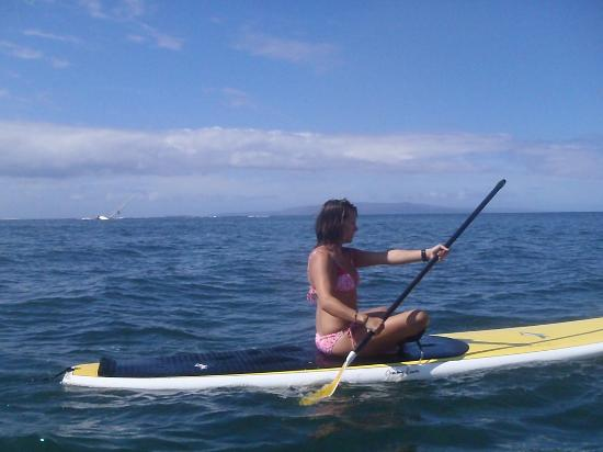 Paia, Hawaje: Proper form is important even when sitting - amazing core workout!