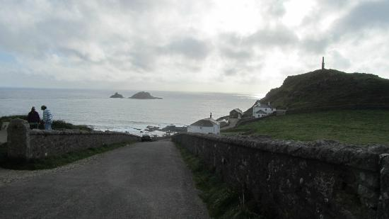 Cape Cornwall Golf & Leisure : View down the road