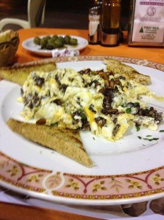 La Central: my scrambled egg and sausage dish