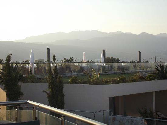Cavo Spada Luxury Resort & Spa: Vue sur la terrasse de l'Azzuro