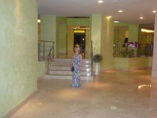 Hotel Marbella: lobby area of hotel