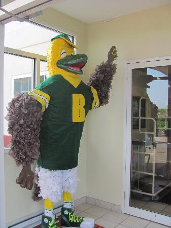 Dollinger's Inn & Suites: Ellsworth was our guest for The College at Brockport Homecoming weekend